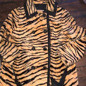 VINTAGE Tiger stripe Fur jacket